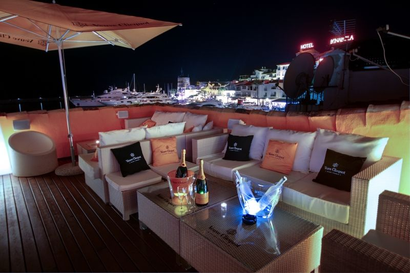 newscafe-puerto-banus-terrace